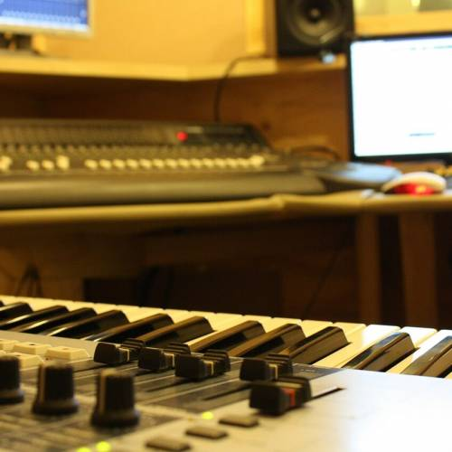 A Home-Studio set-up for Pianists
